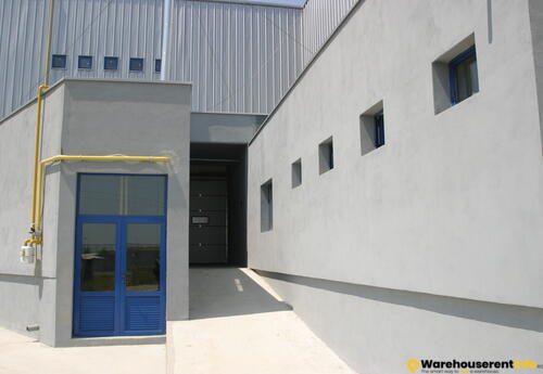Warehouses to let in 4