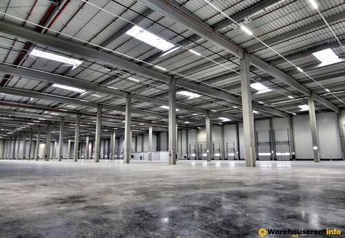 Warehouses to let in Modul A